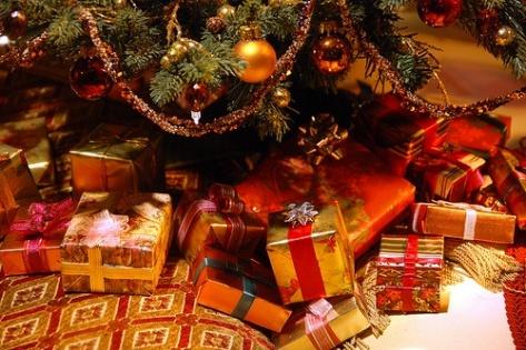 Половине россиян не хватит зарплаты на подарки