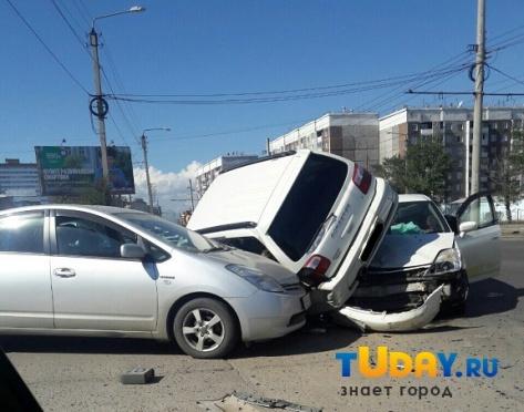 В Улан-Удэ произошло тройное ДТП с пострадавшими