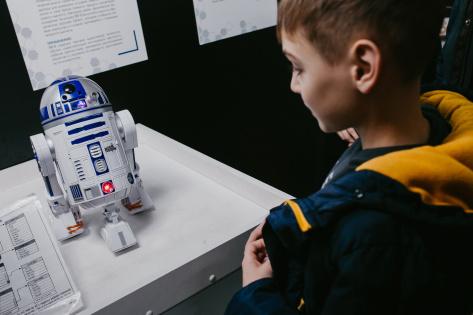 В Улан-Удэ дети из малообеспеченных семей впервые увидели роботов