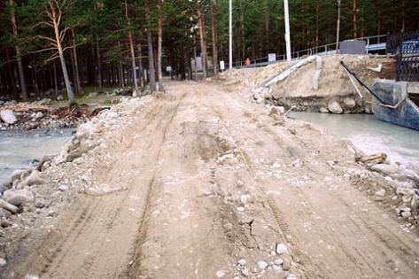 В Аршане построили временную автодорогу через Кынгыргу