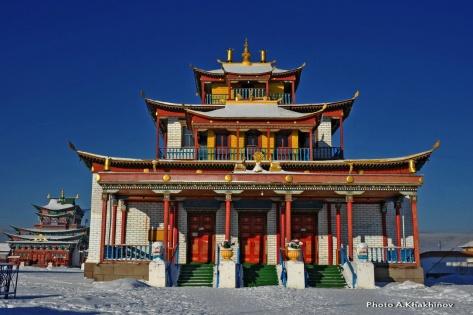 Цогчен-дуган - главный соборный храм (построен в ноябре 1976)