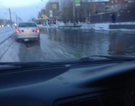 В Улан-Удэ прорыв магистрали затопил водой ул. Ключевская