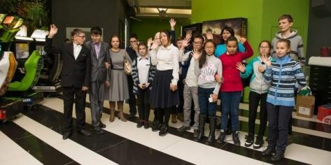 В Улан-Удэ состоялся кинопоказ для детей-инвалидов по зрению и слуху
