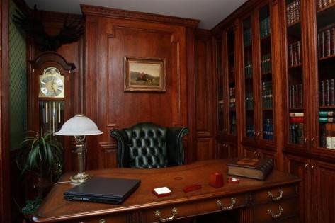 Министр строительства обновляет кабинет на миллион рублей