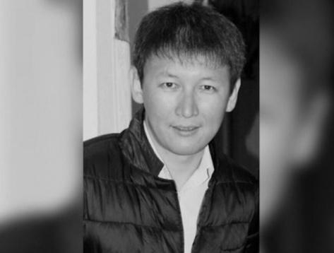 В Бурятии скончался известный режиссер и кавээнщик Евгений Замалиев