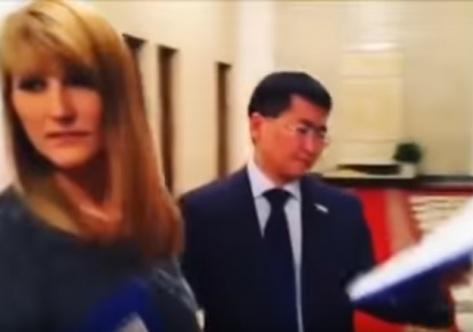 Депутат от Бурятии Будуев принял участие во флеш-мобе в Госдуме