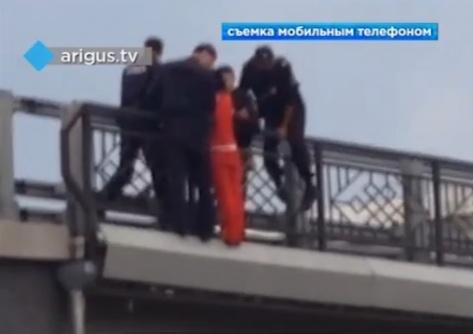 В Улан-Удэ жительница Иркутска пыталась покончить жизнь самоубийством