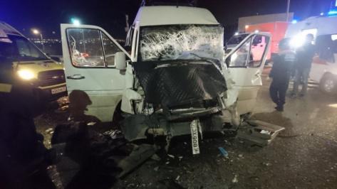 """В Улан-Удэ на """"кольце"""" столкнулись два автобуса: есть пострадавшие"""