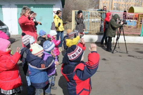 Сотрудники МЧС передали УАЗ детскому дому