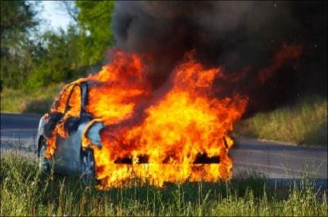 Улан-удэнец чуть не погиб в горящем автомобиле