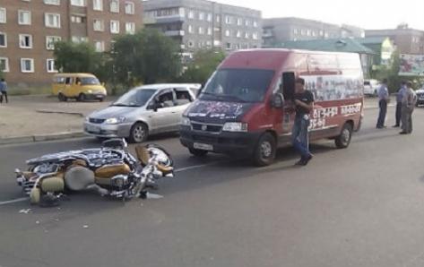 В Улан-Удэ произошло тройное ДТП с участием мотоциклиста (Фото)