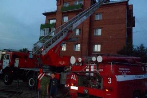Пожарными спасено 40 человек из 4-этажного жилого дома