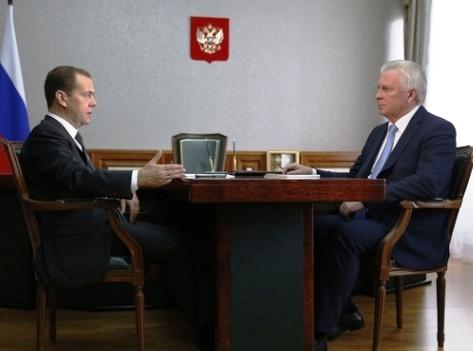 Глава Бурятии говорил с Дмитрием Медведевым о строительстве школ и Байкальской гавани