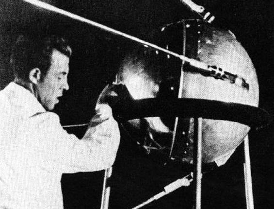 Покоряли космос и мечтали о колонизации луны: 12 фото из космической державы СССР за которые до сих пор берет гордость