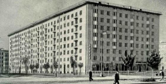 Для кого строили сталинки, почему они старше, но «круче» хрущевок и как в них живут люди: фотоподборка