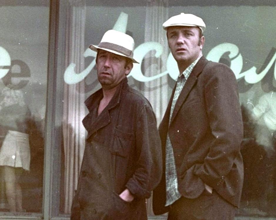 Хотели попасть в таксисы, дипломаты и продавцы, а про инженеров - всегда только шутили: подборка престижных и не очень профессий в СССР