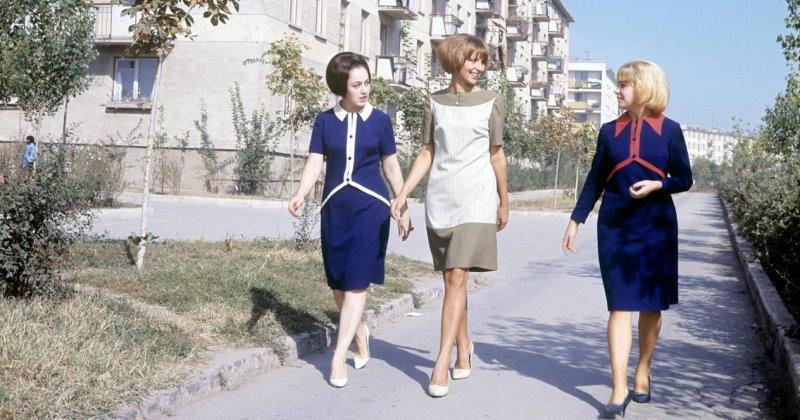 Смешные стрижки, резкий одеколон, платье в горошек, а к 40 уже устали от жизни: сравниваю девушек в СССР и сейчас - как будто с разных планет
