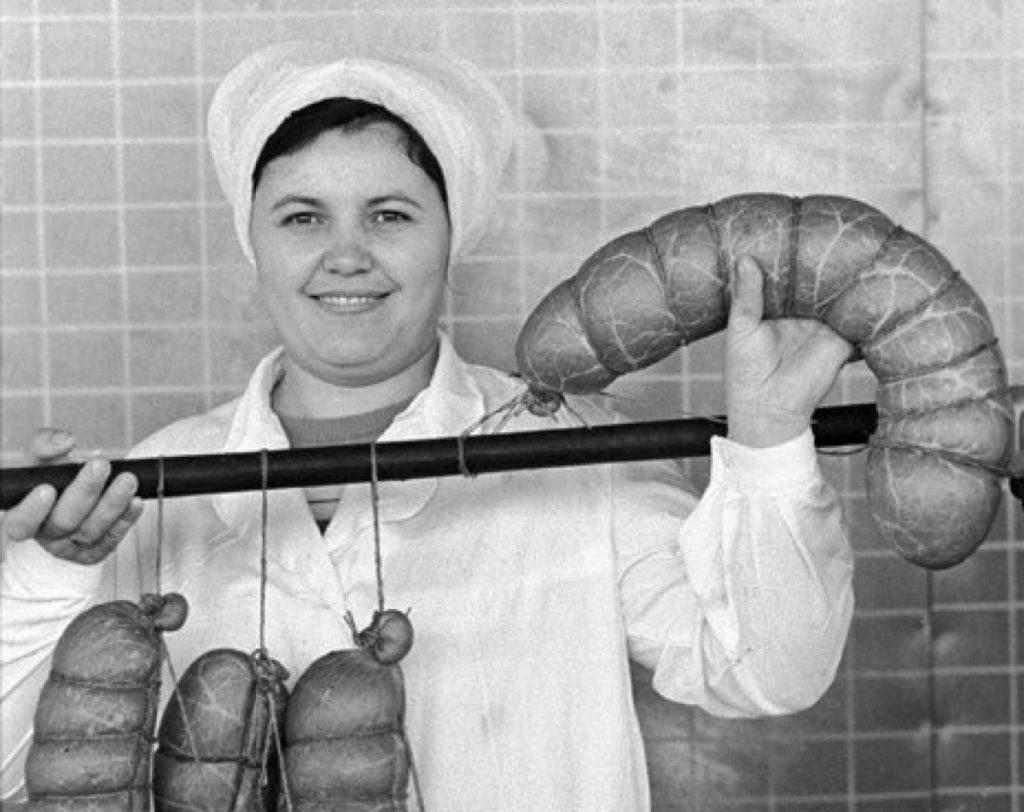 """""""Видик"""" Panasonic, пачка гречки и бразильский кофе Pele: 20 фото самых дефицитных товаров в СССР, о которых мы могли только мечтать, а сейчас есть в каждом доме"""