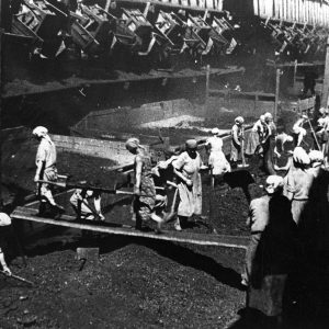 Сражались бок о бок, собирали хлопок и прозводили оружие на заводах: 15 редких фото участия Казахстана, Туркменистана и Узбекистана во Второй Мировой