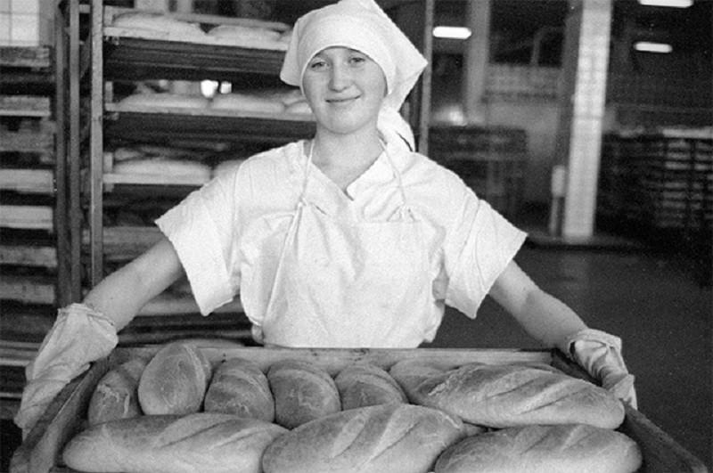 В интернете часто вижу, как хвалят советский хлеб, а нынешний ругают: сравниваю ГОСТы и делюсь результатами
