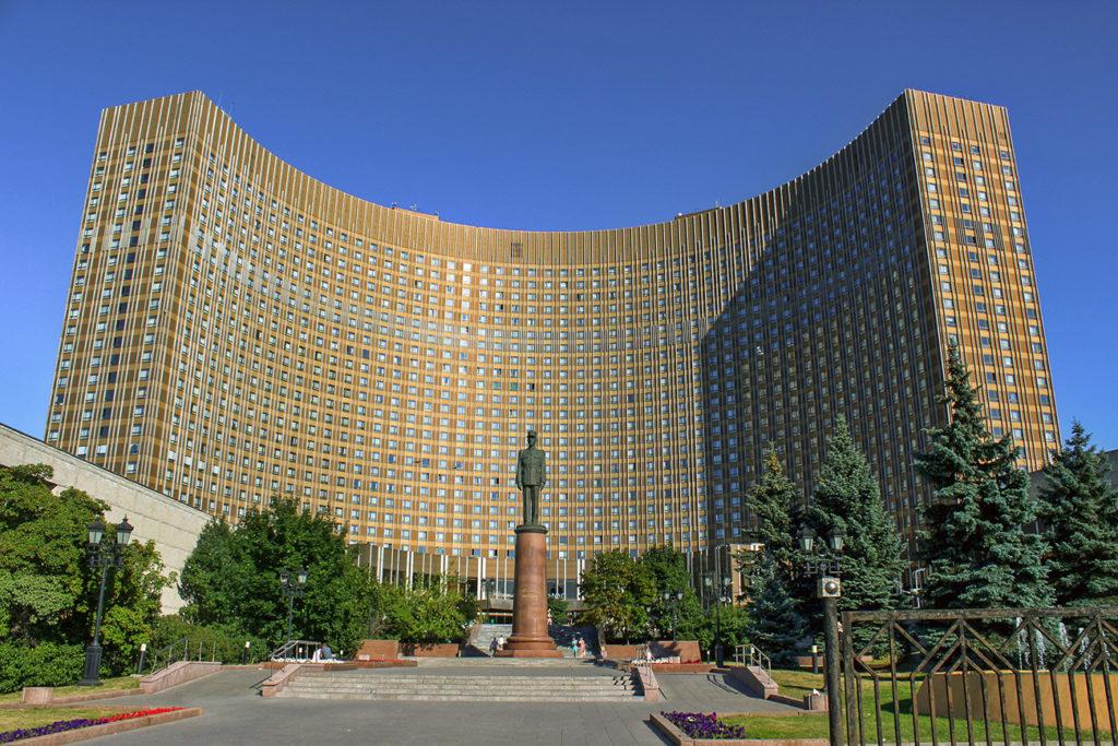 Иностранцы заказывали спиртное из ресторана и пили прямо в номере, а своим даже нормальную комнату не хотели выдать: 13 фото советских гостиниц внутри и снаружи