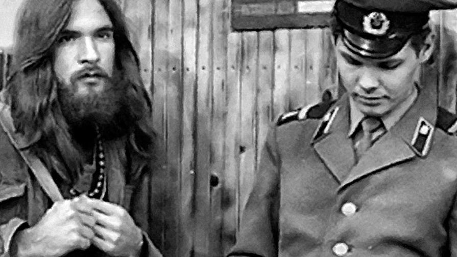 """От прилизанных """"стиляг"""", копирующих американцев 50-х, до """"люберов"""" в подвальных качалках: вспоминаем какие субкультуры были в СССР"""