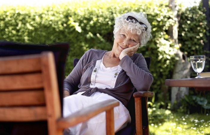 Это письмо 83-летняя женщина написала подруге: научитесь жить так, как учит эта мудрая старушка!