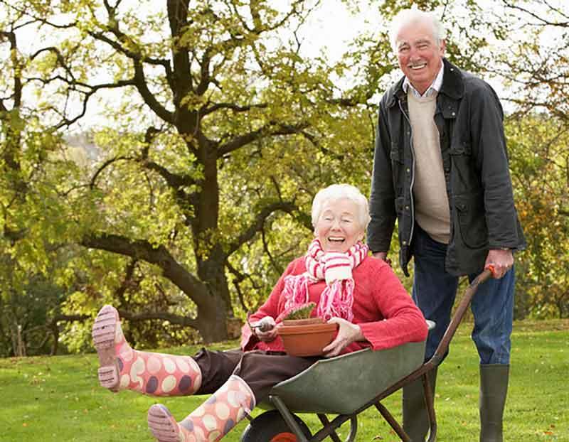 Респект и уважение таким бабулям и дедулям!