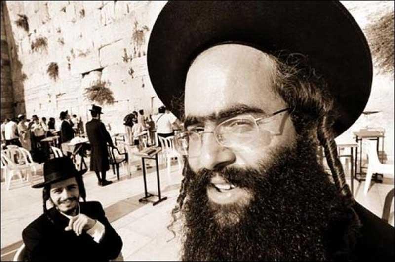Не стоит недооценивать евреев. Анекдот — бомба!