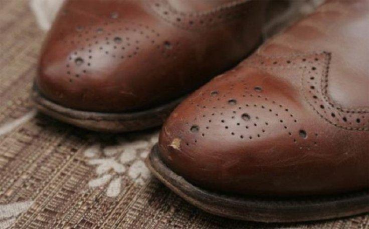 Вот это да! С помощью этих советов кожаные сумки, обувь и даже кожаный диван можно привести в порядок!