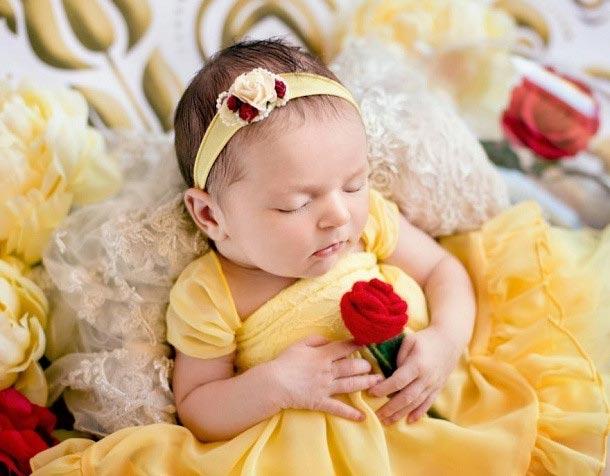Фото очаровательных малышек в образе диснеевских принцесс просто покорили Интернет