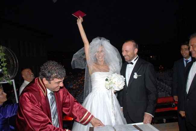 Еще одна пара из турецких сериалов перенесла свою любовь из кино в реальность!